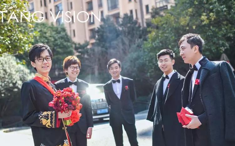 伍声2009大婚,王思聪给酒神当伴郎,送劳斯莱斯!