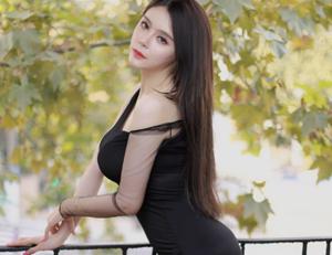 斗鱼美女人气主播张琪格生活写真照片